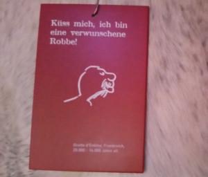 Wer sich selbst als Robbe malt, beweist Humor! Foto im Museum Monrepos: Dorothea Müth