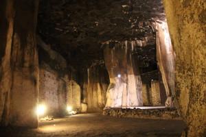 Kann eine Kathedrale majestätischer sein? 32 Meter unter der Erde stehen diese Basalt-Säulenhallen. Foto: Dorothea Müth