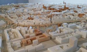 Modell von Münster: Wie stabil ist diese Versammlung von Gebäuden, Wegen, Bäumen - und wie elastisch? Wo bleiben Menschen und Tiere in dieser Stadt? Foto: Dorothea Müth