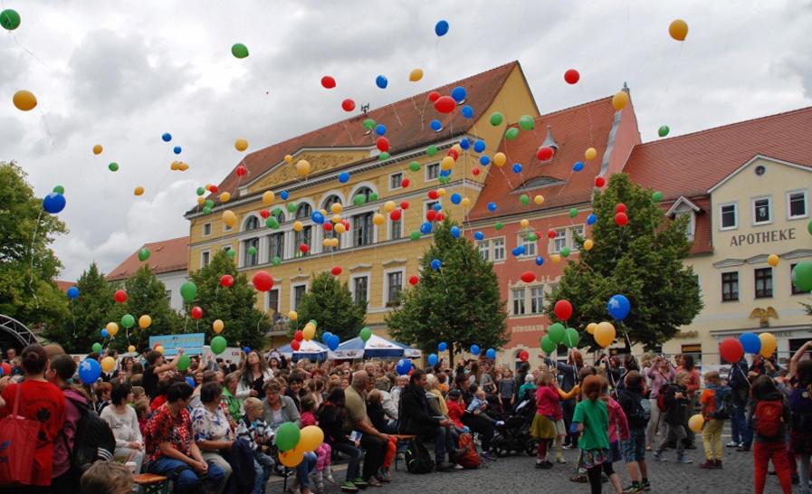 Gemeinsame Freude, gemeinsame Stärke: Wenn wie in Delitzsch das Stadtleben partizipativ entwickelt und gestaltet wird, stärkt das die Resilienz des Gemeinwesens.